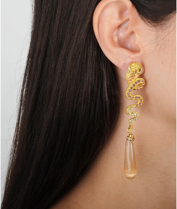 Nuwa Beige Drops Snake Earrings